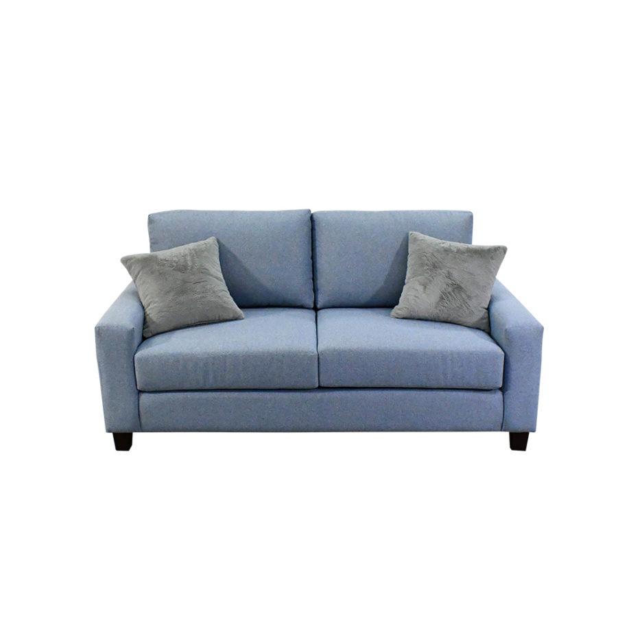 Vista frontal del sofá de la sala California